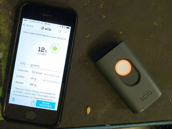 Fruit and vegetable scanner that determines calories, carbs and water content. Photo: R. Lee